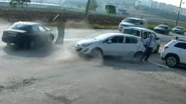 Okul önünde dehşete düşüren zincirleme kaza kamerada
