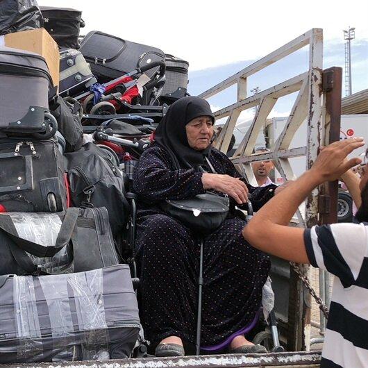 85 yaşındaki 'Türkiyye' teyze Türkiye'ye bavulların içinde geldi