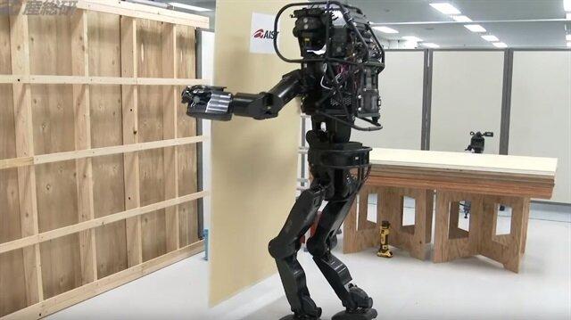 insansi-robot-emlaklobisi
