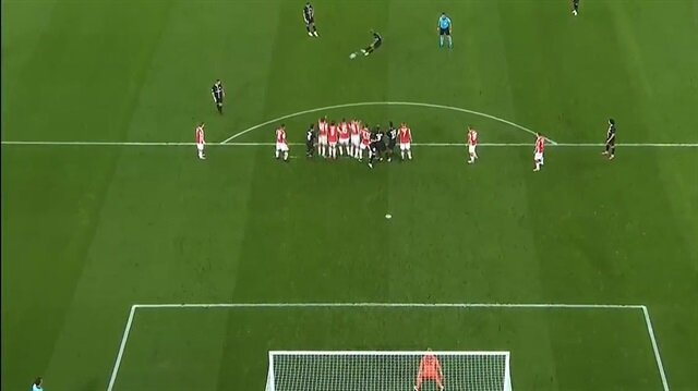 Kızılyıldız kalecisi Neymar'ın golüne böyle tepki verdi