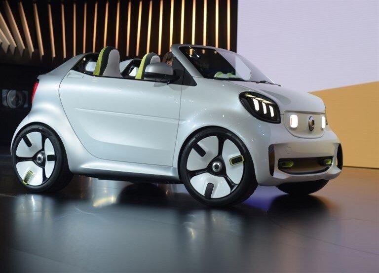 Fuarın en sempatik otomobillerinden SMART Forease, minimal yapısıyla büyük beğeni topladı.
