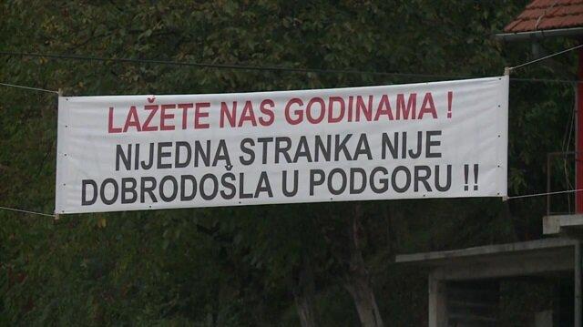 Boşnak köyünden siyasilere mesaj: Köyümüze gelmeyin!
