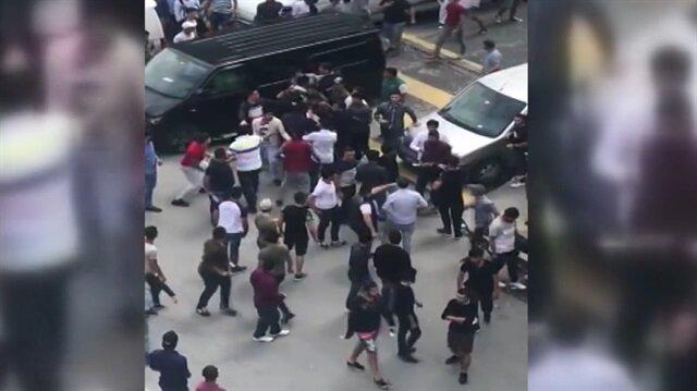 Sokak ortasında tekme tokat kavga kamerada