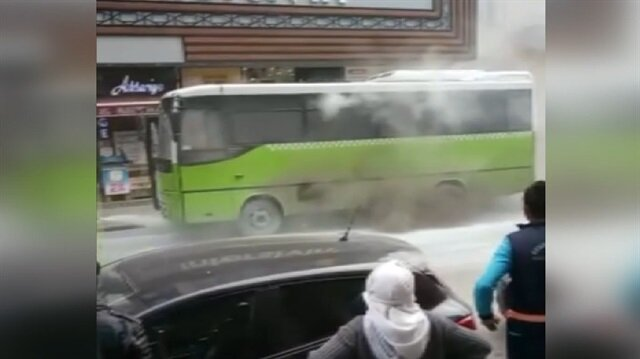 Yolcu dolu otobüs yandı
