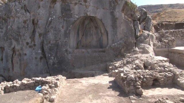 Hititlerinbaşkentinde Romalılara ait 1800 yıllık havuz ve veranda bulundu