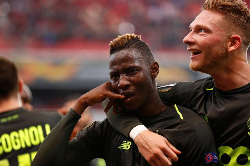Standard Liegeli futbolcular, Akhisarspor karşısında gelen golleri böyle kutladı.