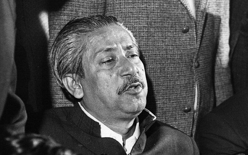 Şeyh Hasina'nın babası Mucibur-Rahman, 1975 darbesinde öldürüldü.