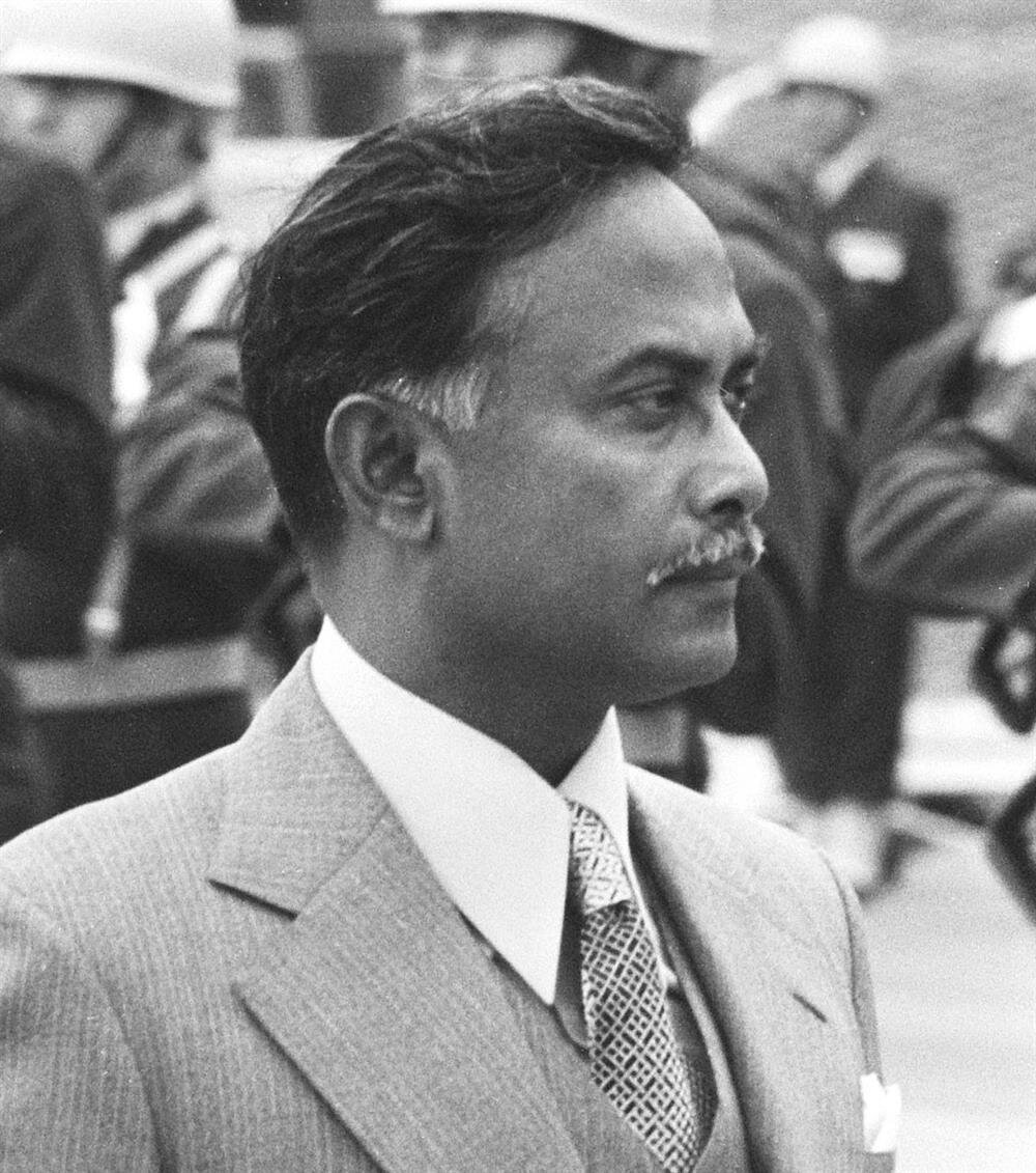 Hâlide Ziyâ'nın babası Ziyâur-Rahman, Şeyh Hasina'nın babası Mucibur-Rahman'ın öldürüldüğü darbeye katılan subaylardan biriydi.