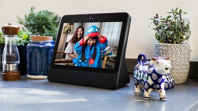 Facebook debuts smart speaker for Messenger video calls