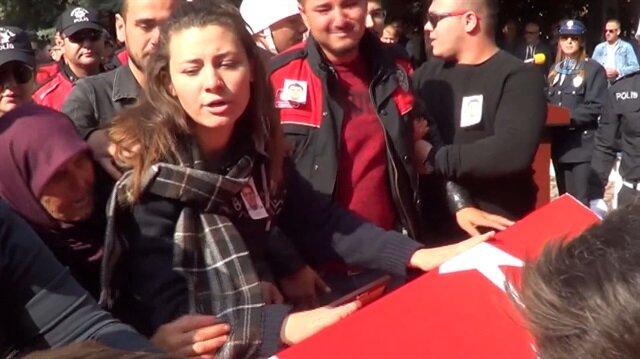 Şehit polisin kızı söyledikleriyle yürekleri dağladı