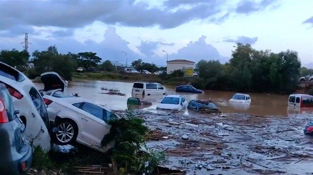 İspanyanın ünlü adası Mallorcayı sel vurdu