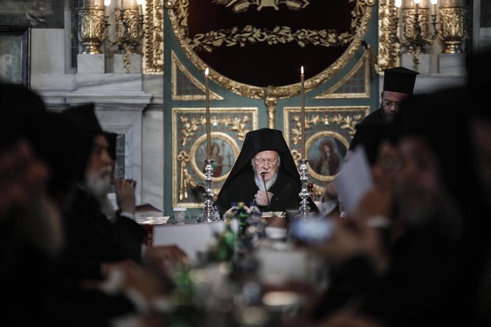 Fener Rum Patriği Bartholomeos, dünyanın çeşitli yerlerinden gelen patrikler ve patrik vekilleri ile din adamları katıldığı tören İstanbul'da düzenlenmişti.