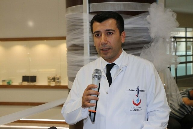 Başhekim Doç. Dr. Fatih Doğan, görme kaybı yaşayan hastalar için umutlu olmalarını söyledi.