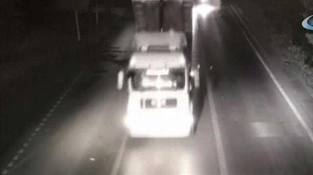 Damperi açık kamyon EDS direğine böyle çarptı