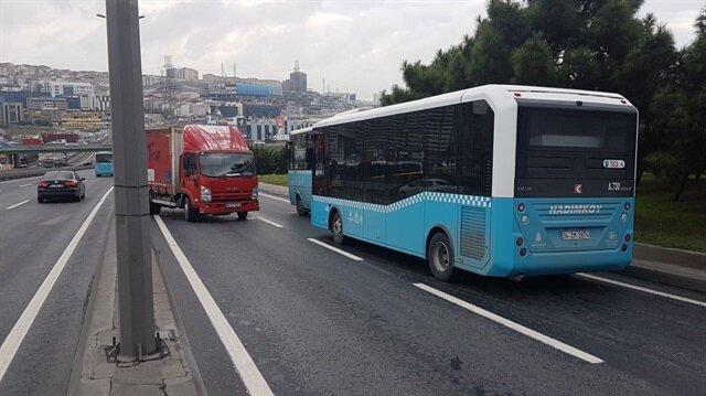 D-100'de zincirleme kaza: 2 otobüs 1 kamyonet 2 otomobil birbirine girdi.