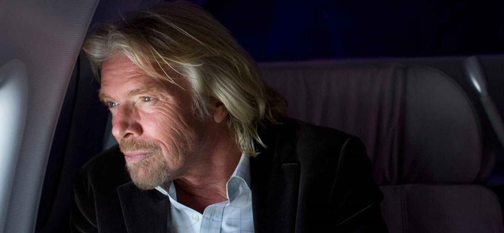 Son olarak Virgin Group CEO'su Richard Branson da Elon Musk'ı hayatını düzene sokması konusunda uyarmıştı.