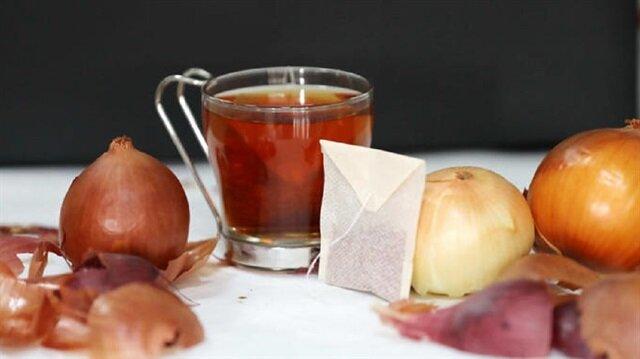 Üniversite öğrencileri soğan kabuğundan çayı farklı damak tatları için aromalarla zenginleştirdi.