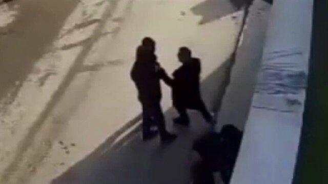 Sahte polislerin yakalanma anı kamerada