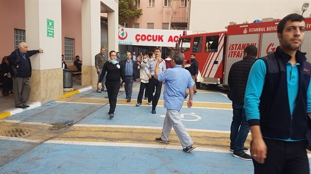 Hastanenin çocuk bölümünde çıkan yangına itfaiye ekipleri sevk edildi