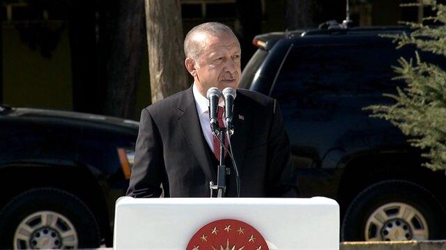 Erdoğan komandolar için Mehmet Akif'in şiirini okudu