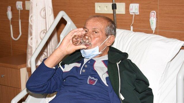 Diyaliz hastası olduğu için 15 yıl su içemeyen Erdoğan Harput, böbrek nakli sonrası doya doya su içti.