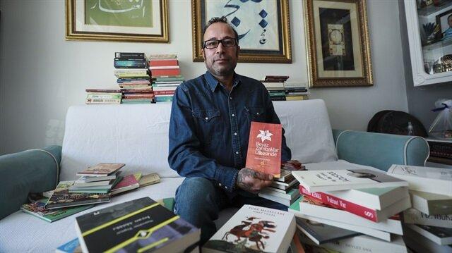 Veli Airevata, 'Kimse kitapsız kalmasın' projesi ile 2 yılda binlerce kitap topladı.