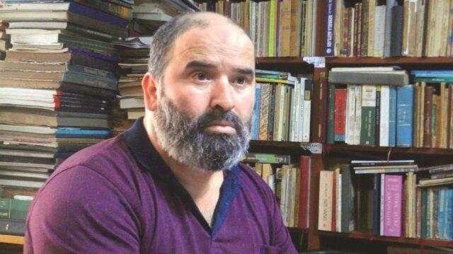 eserleri Osmanlıca ve Arapça çevirileriyle birlikte yayınlıyor.