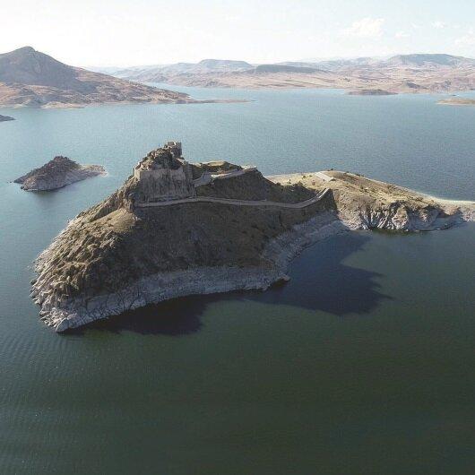Pertek Kalesi Tunceli'nin turizm merkezi olacak