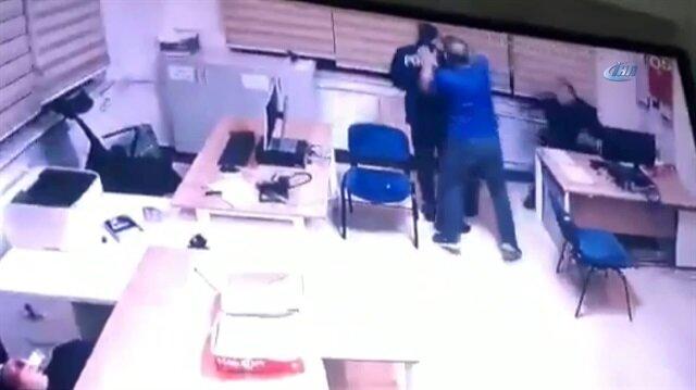 Karakolda dehşet: Demir çubukla polise saldırdı