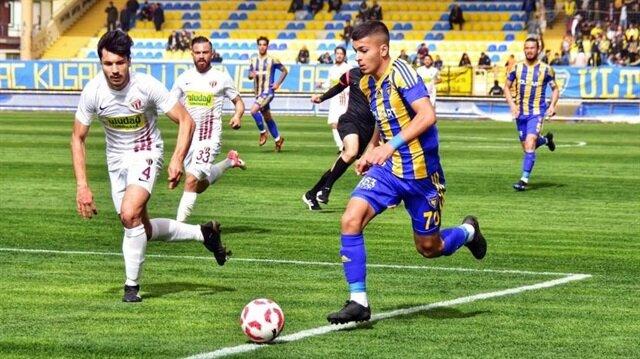 Sol kanatta görev yapan Oğuz Aydın bu sezon Bucaspor formasıyla çıktığı 6 maçta 1 gol kaydetti.