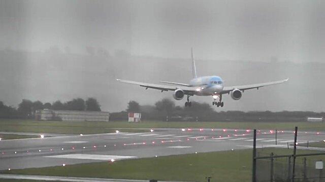 Şiddetli fırtınada uçağı 'drift' yaparak piste indiren pilot