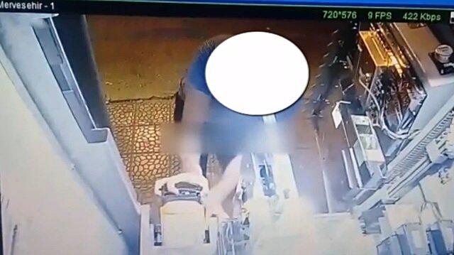 Otomat faresi saniye saniye güvenlik kamerasına yakalandı