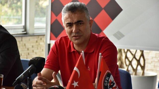 Mehmet Altıparmak: Rakibe sahada hiç acımam
