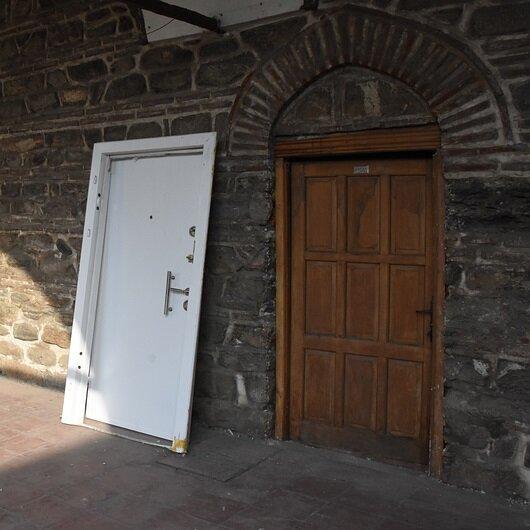 500 yıllık Pirinç Han'da 'çelik kapı' sorunu çözüldü
