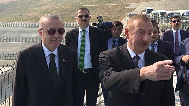 Erdoğan ve Aliyev rafineride incelemelerde bulundu