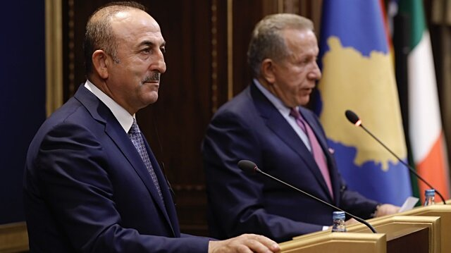 جاويش أوغلو يدعو كوسوفو لعدم إيواء المتورطين بالانقلاب الفاشل