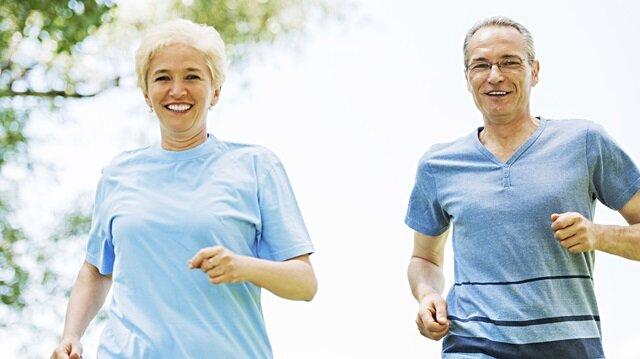 Her gün düzenli yapılan egzersiz yeni nöron oluşumunu sağlayarak unutkanlığı engelliyor.