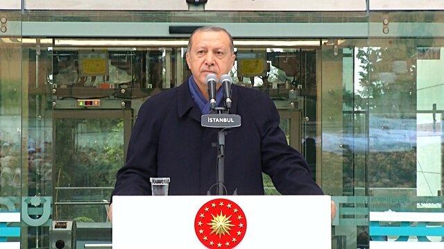 Erdoğan'ın konuşması esnasında ezan başlayınca...