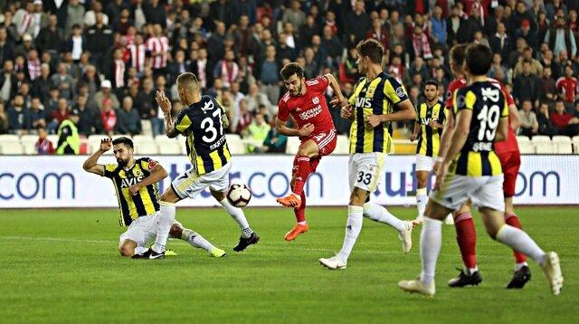 Fenerbahçeli futbolcudan çarpıcı sözler: Kötü bir takımız
