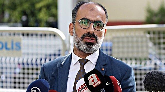 Türk Arap Medya Derneği Başkanı Turan Kışlakçı konsolosluk önünde basın açıklaması yaptı.n