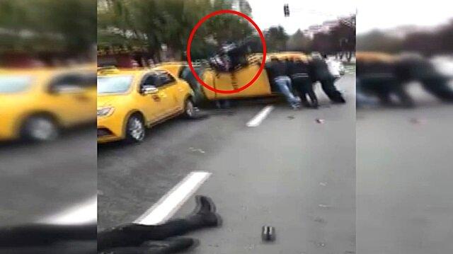 Motosikletli Yunus ekibi taksiye ok gibi saplandı!