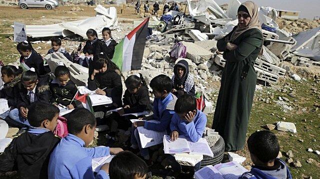 İşgalci İsrail Batı Şeria'da bir okulu yıktı