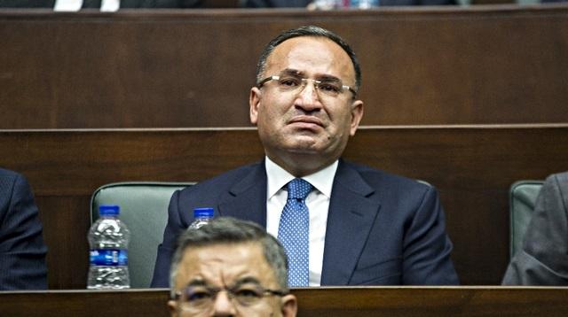Bozdağ: Erdoğan'ın şahsıma yönelik sözleri benim için şeref madalyasıdır