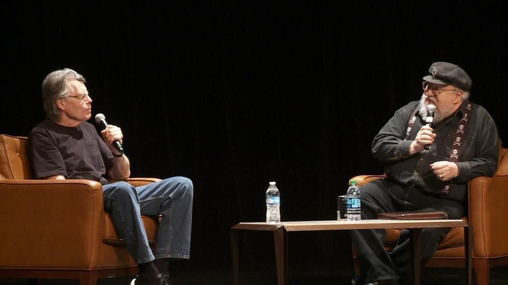 George RR Martin, yeni çıkan kitabı 'Fire and Blood'u tanıtımı için New York Times ile röportaj yaptı.