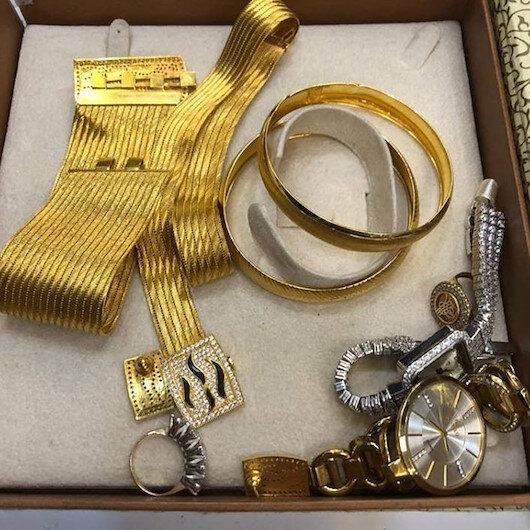 50 bin liralık altınları sahibine teslim etti