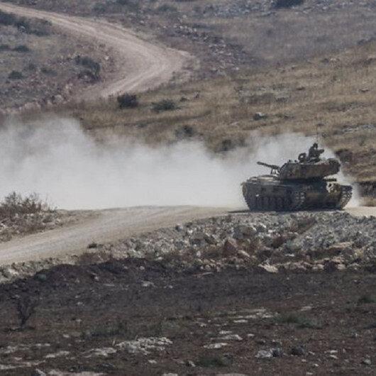 TSK Fırat'ın doğusundaki YPG mevzilerini bombaladı