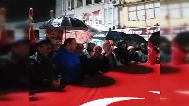 CHP'liler 'Andımız' protestosunda andı yanlış okudu