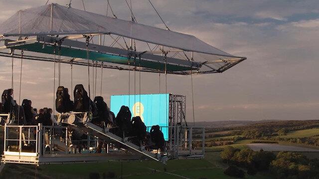 Dünyanın ilk uçan sineması