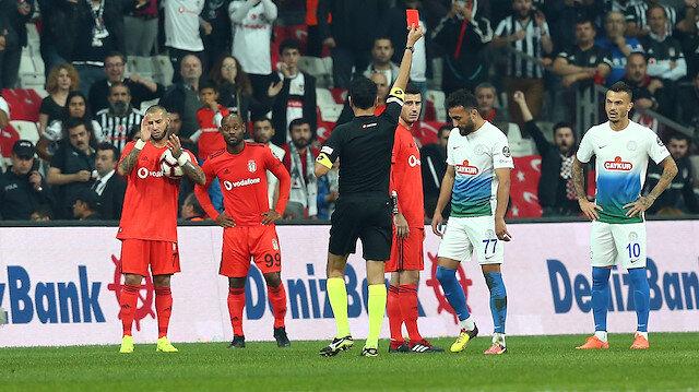 Rizespor'dan hakem isyanı: Bülent Yıldırım maçın önüne geçti