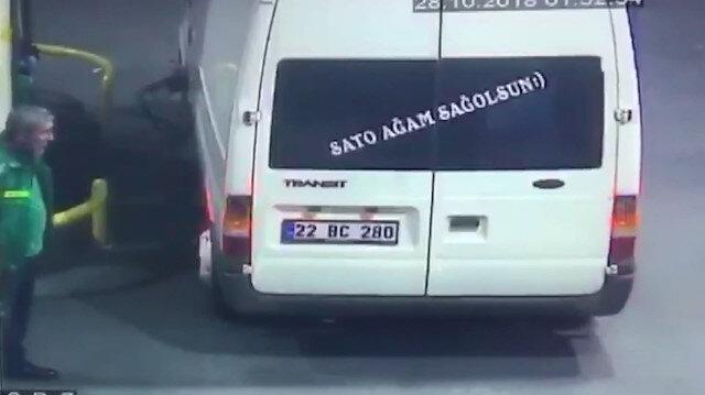 'Sato ağam sağolsun' yazılı minibüs depoyu fulleyip kaçtı